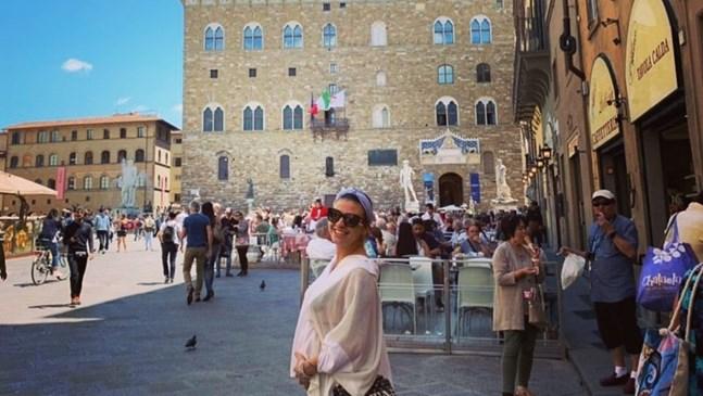 Деси Цонева, бременна в 5-ия месец, на разходка във Флоренция