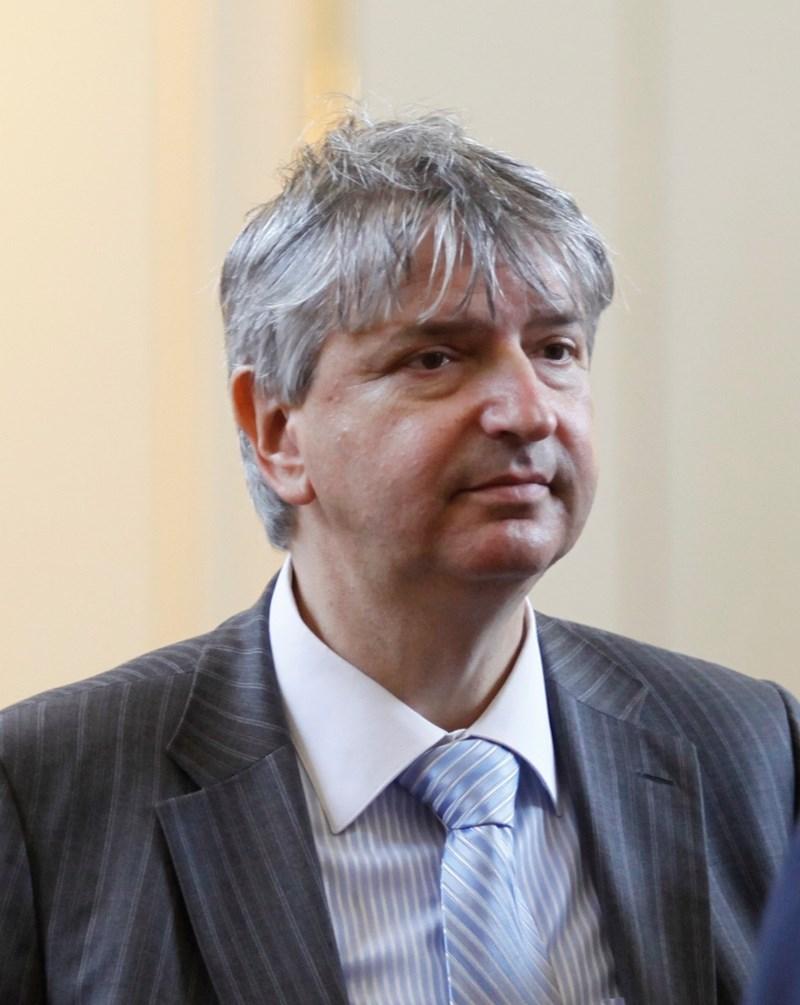 Доц. д-р Лъчезар Иванов