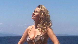 Илиана Раева показа тяло в Гърция (Снимки)
