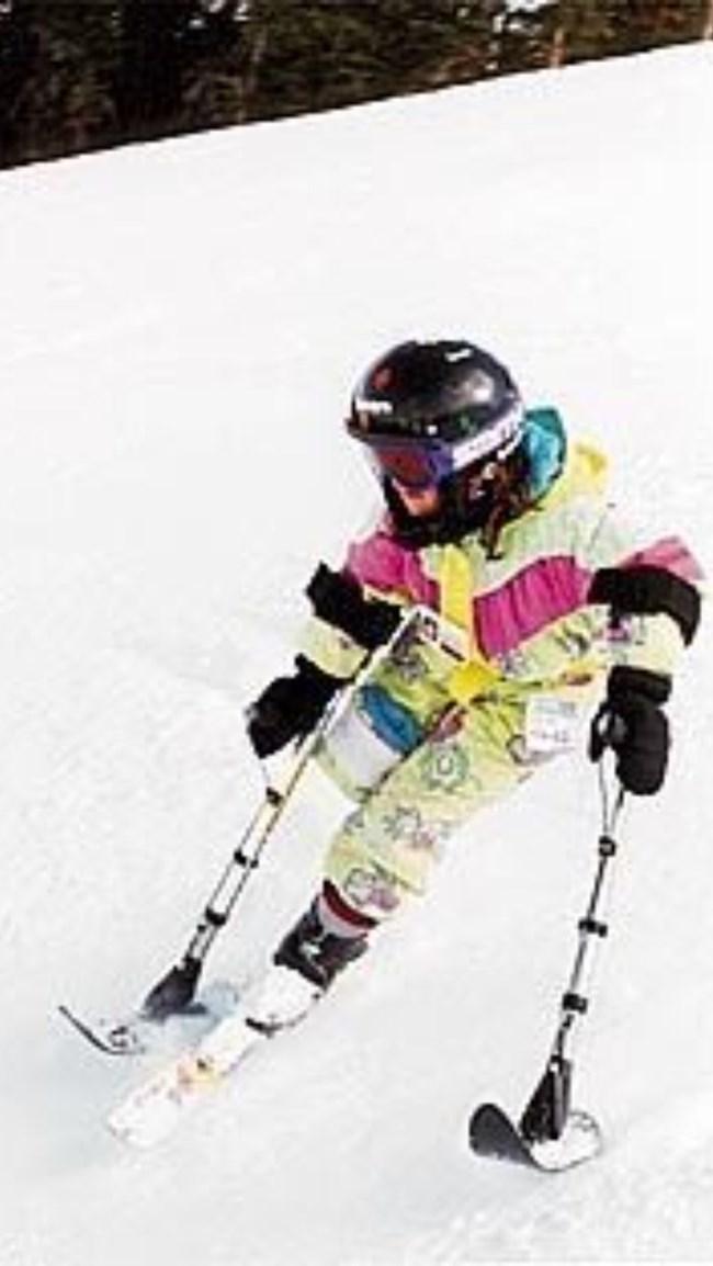 Елица като малка на любимите си ски