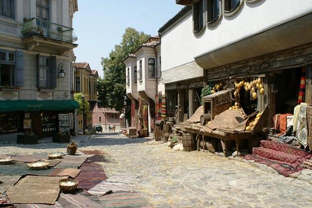 Проучване: Чужденците, които работят в България, са доволни от живота си