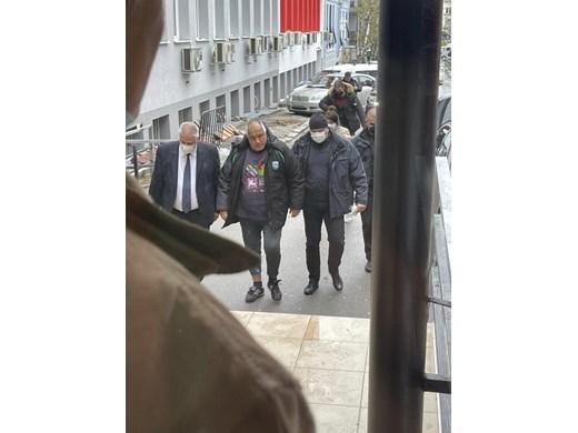 Борисов скъсал менискус, вече го оперират