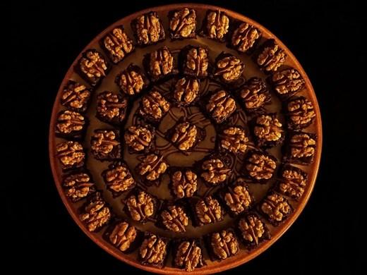 Археолози изследват орехов сладкиш на 79 години