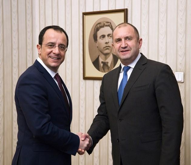 Румен Радев се срещна с министъра на външните работи на Кипър