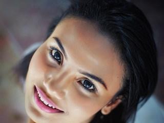 Защо мъжете не могат да устоят на жена от зодия Рак