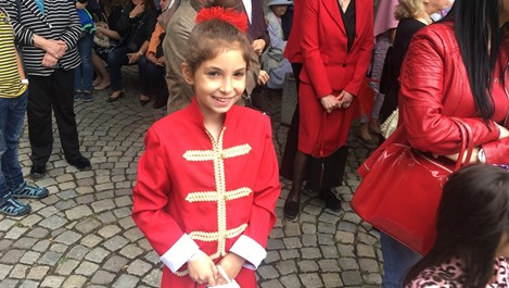 9-годишна, а вече с 25 медала по български и математика (снимки)