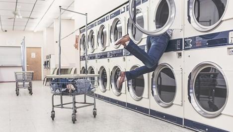 11 неща, които неочаквано помагат в прането