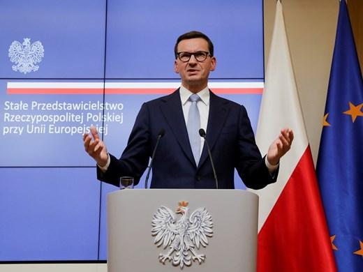 Как Полша не само  запази работните  места, но увеличи и заплатите
