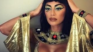 Никол Шерцингер блесна като Клеопатра в нощта на Хелоуин