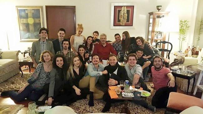 Учениците на Мастера репетират в дома му постановката