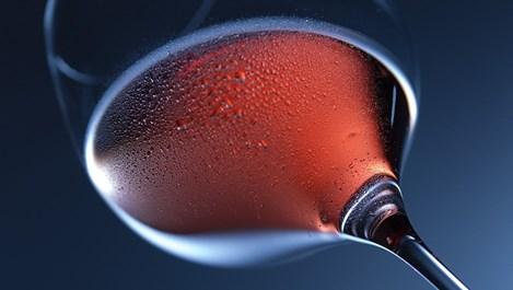 Как се пие червено вино