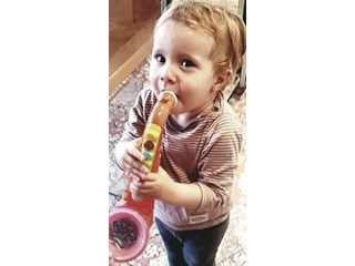 Синът на Биляна Петринска й изнесе концерт на саксофон