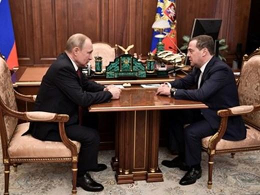 Путин обяви 5-има водещи кандидати за изборите. Медведев не е сред тях (Видео)