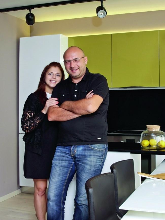 Шеф Манчев и съпругата му