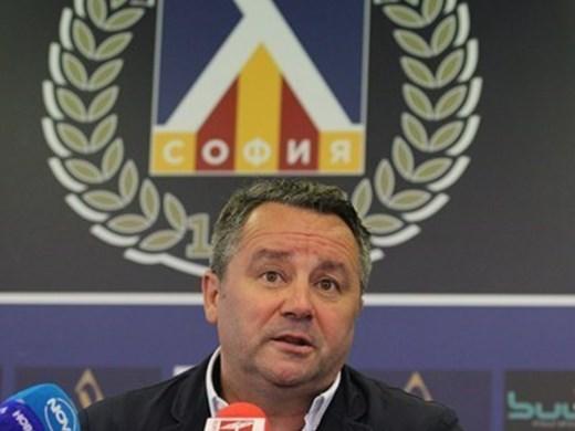 """Стоянович на път пак да замени Георги Тодоров на """"Левски"""""""