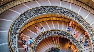 Странната история на стълбищата