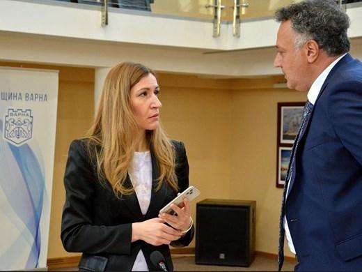 Министър Ангелкова във Варна: Работим за постепенно възстановяване на бранша