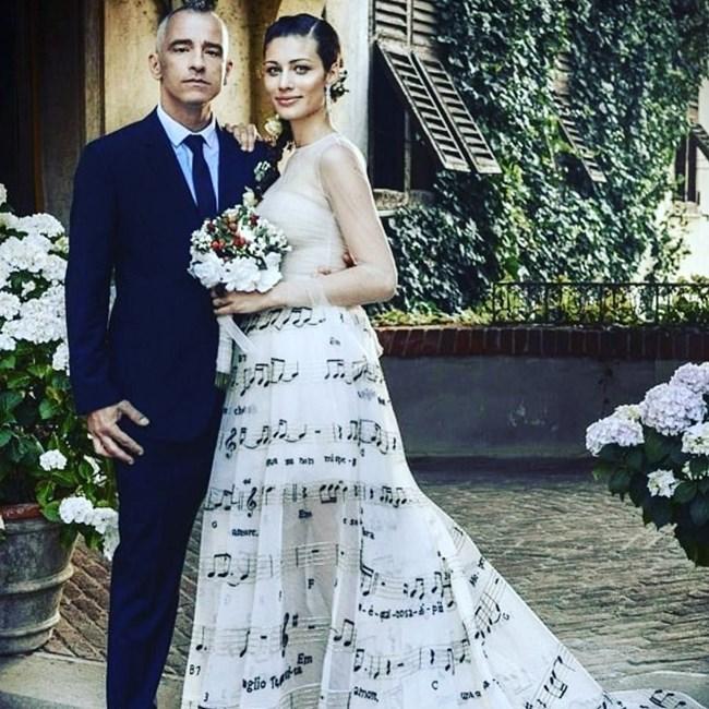 """""""Силата на любовта ще ни отведе далече, честита годишнина, моя любов"""", е написал Ерос Рамацоти под тази снимка с жена си Марика.  СНИМКА: ИНСТАГРАМ"""