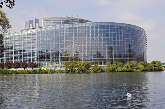 """Пакетът """"Мобилност"""" мина в Европарламента, българските забележки – игнорирани"""