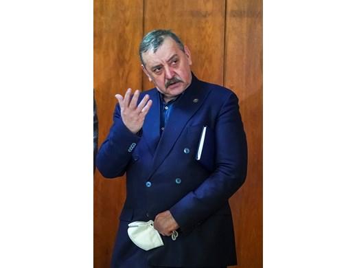 Проф. Тодор Кантарджиев зарадван от първо внуче