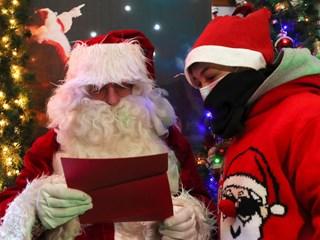 Трябва ли дезинфектант за Дядо Коледа?