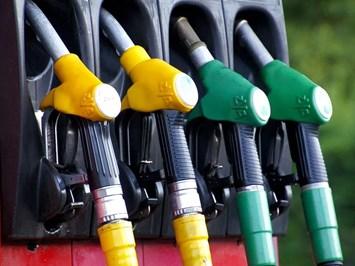 Парламентът извади земеделските стопани от закона за горивата