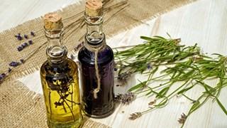 Етерични масла, полезни за зъбите и венците