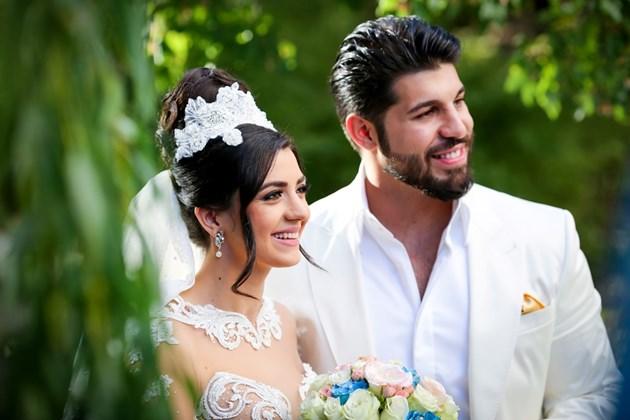Фики с кожена сватба