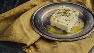 Богомил Николов: Купувайте пакетирано сирене, другото не е контролирано