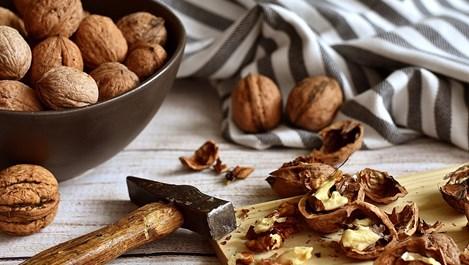 Защо е задължително да активираме ядките преди хранене