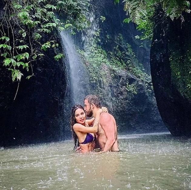Есмер с боксьора в Бали