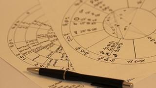 Хороскопът предупреждава за тежко изпитание, но Бог управлява звездите