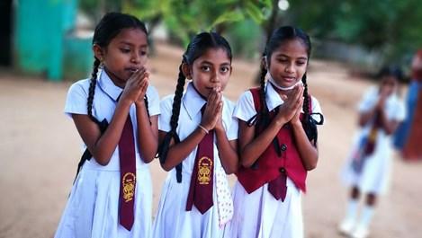 Да подадем ръка на децата на Шри Ланка