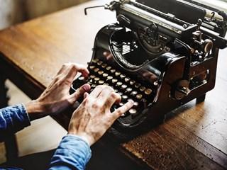 Любими цитати от български писатели: Най-силна е онази любов, която може да проявява слабости