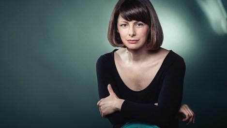 """Яна Титова: Първият ми """"милион"""" беше решението да напусна Народния театър и да тръгна по света"""