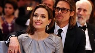 Анджелина Джоли официално махна фамилията Пит от името си
