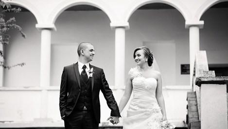 "Канадци вдигат сватба в ""Двореца"" в Балчик"