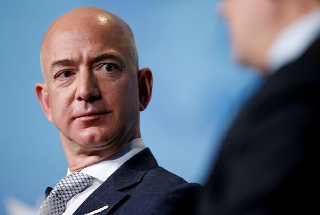 Джеф Безос иска вдигане на корпоративните данъци в САЩ
