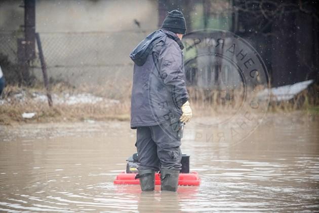 Наводнението в Мировяне (Фоторепортаж)