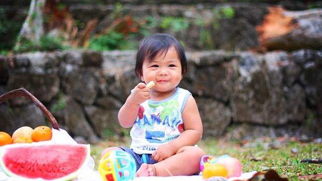 5 признаци, че бебето ви е готово да бъде захранено