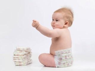 Какви грижи да полагаме за бебето при подсичане