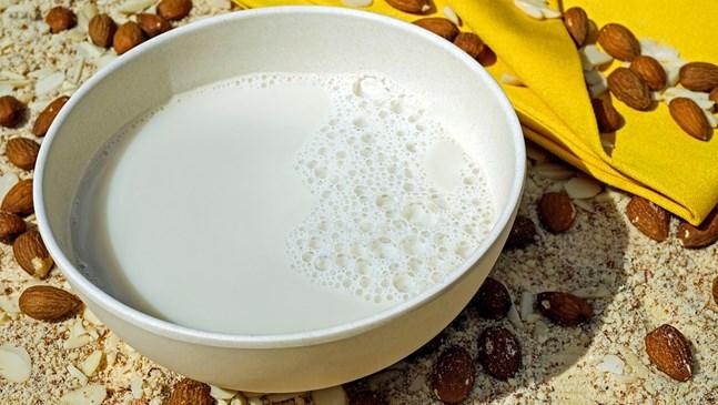 Бадемовото мляко помага за регулиране на теглото през бременността