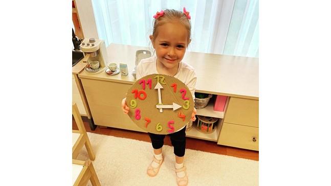 """3-годишната Мия атакува """"Гинес"""""""