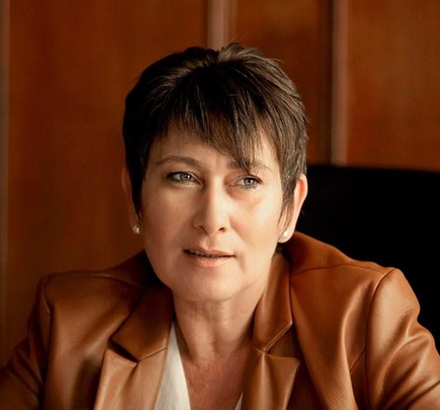 Министър Везиева: С 9 процента нарастват заетите в ИТ сектора