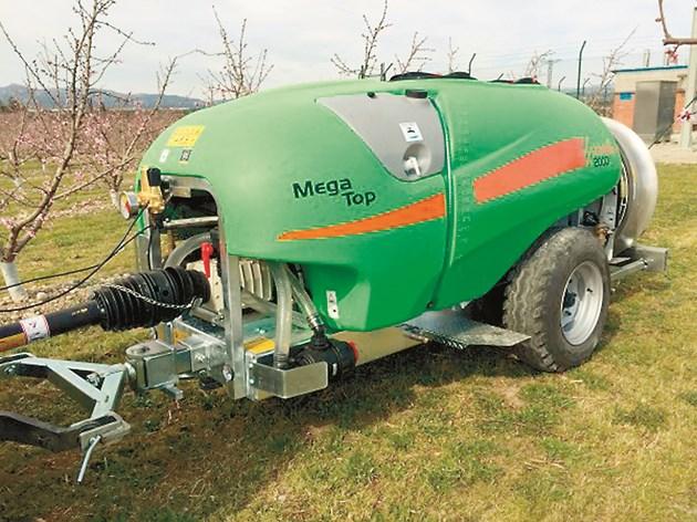 Corbins Mega Top с вместимост на резервоара 500 л