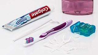 8 необичайни употреби на конците за зъби в домакинството