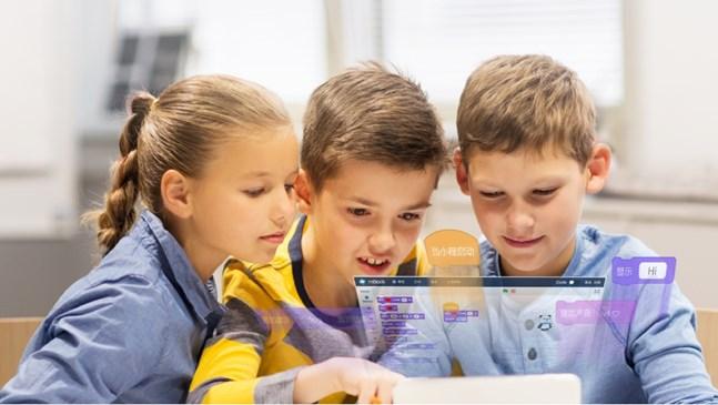Дайте силен старт на детето си, научете го на дигитална грамотност