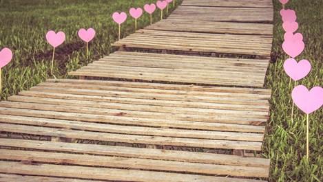 Какво различава детинската от зрялата любов