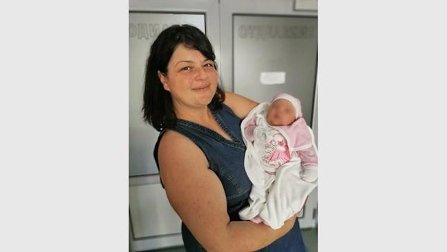 Майка роди второ бебе гигант