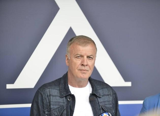 """Наско Сираков: Изпратиха документ за инвестиции за над 150 млн. долара в """"Левски"""". Тома Неверни съм, проверяваме"""